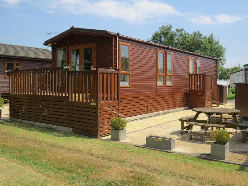 Riverbank Lodge