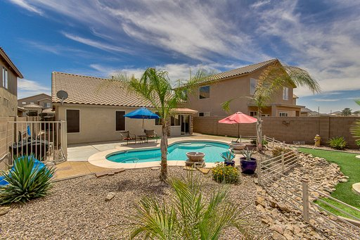 Heated Private Pool! Beautiful San Tan Location with Arizona Room! 90 Night Mini, vakantiewoning in San Tan Valley