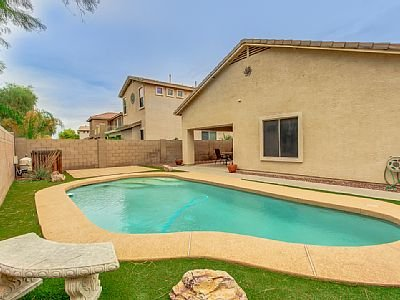 In Golf Community w/Pool & Pet Friendly! Just Outside Everything Phoenix!, holiday rental in Maricopa