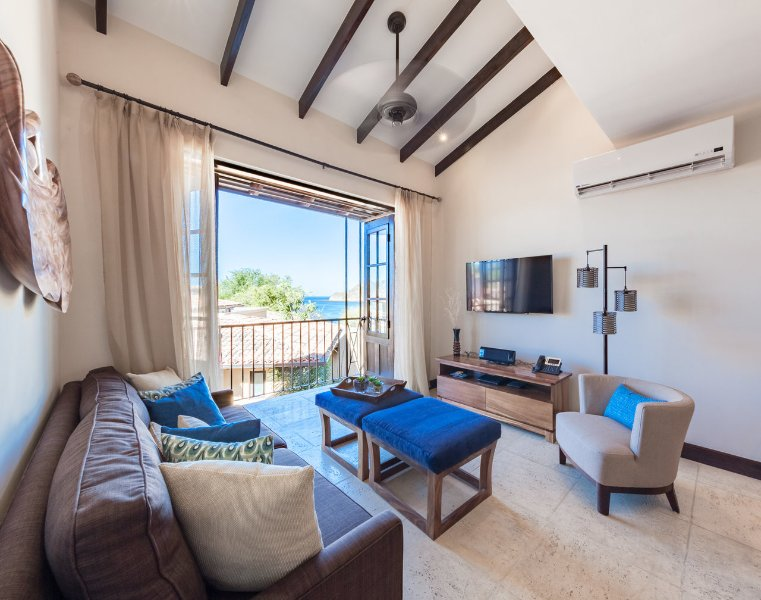 2 Br Apt Steps from Beaches and Tropical Trails, vacation rental in Las Catalinas