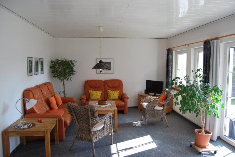Top Appartment1/1***, 2-4 Pers., 70qm, 2 Schlafz., Terrasse, W-lan frei, Nichtr., holiday rental in Ilfeld