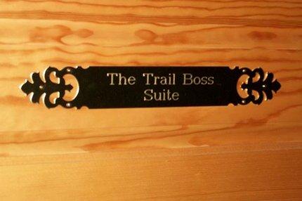 Trail Boss Suite dörrskylt