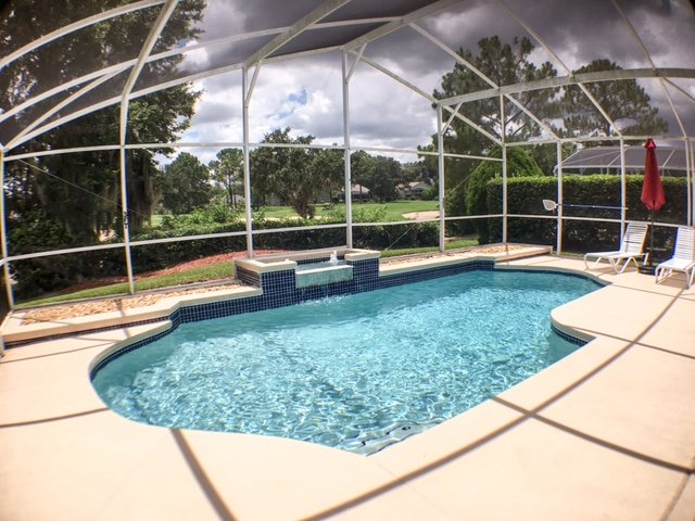 South Facing Pool - Bright Sunny Home!, alquiler vacacional en Lake Alfred