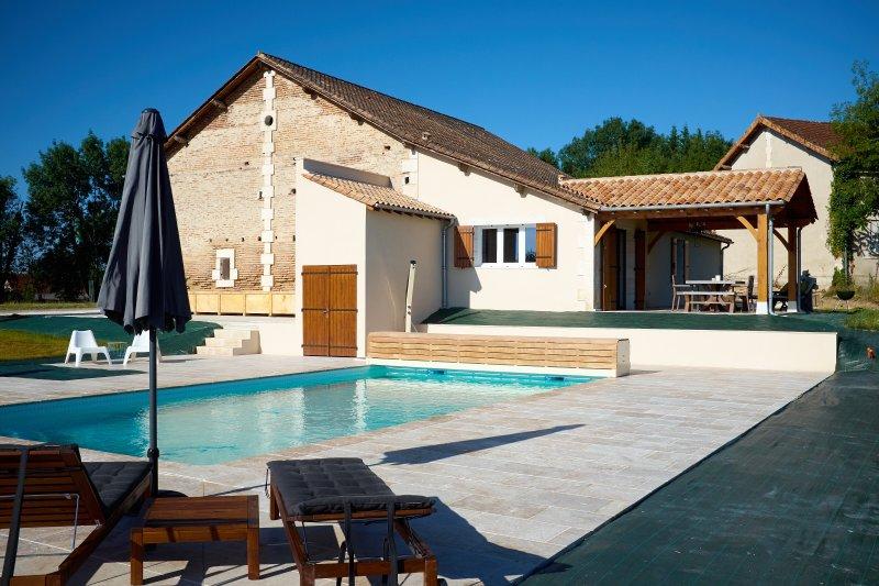 Lovely salt water heated pool