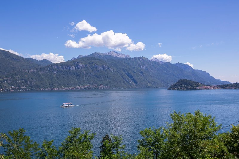 Breathtaking views on the lake