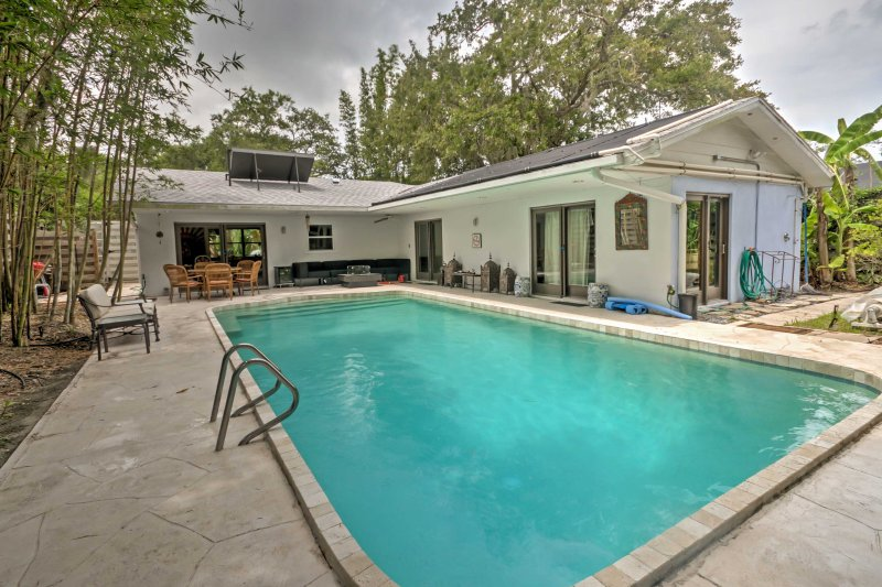 Soak up the Sunshine State from this Sarasota vacation rental house!