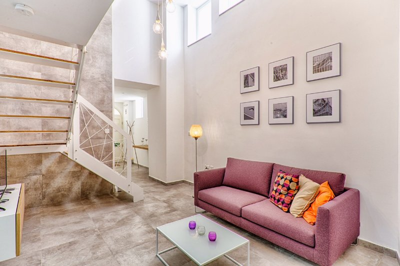 Mellieha Designer Finished 2bedroom Maisonette, alquiler vacacional en Cirkewwa