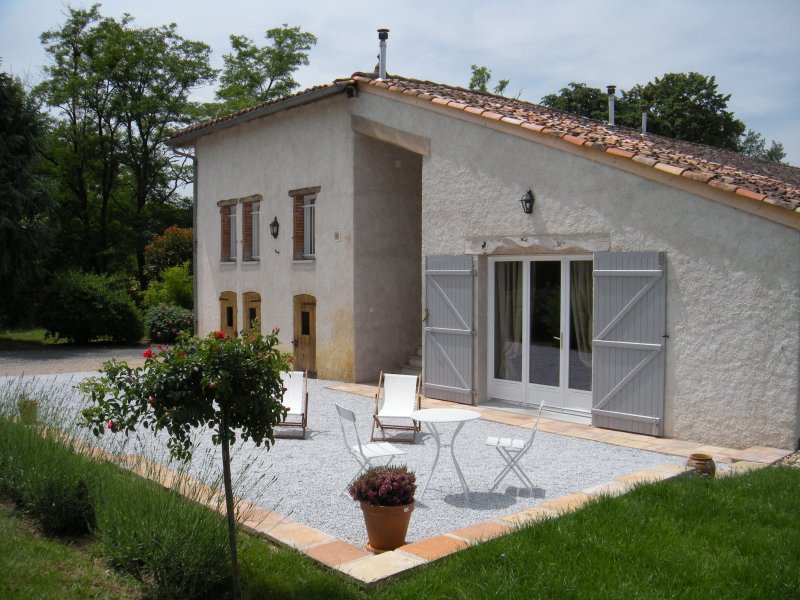 Suite la Grange, maison d'hôtes de charme la Fréjade, location de vacances à Rabastens