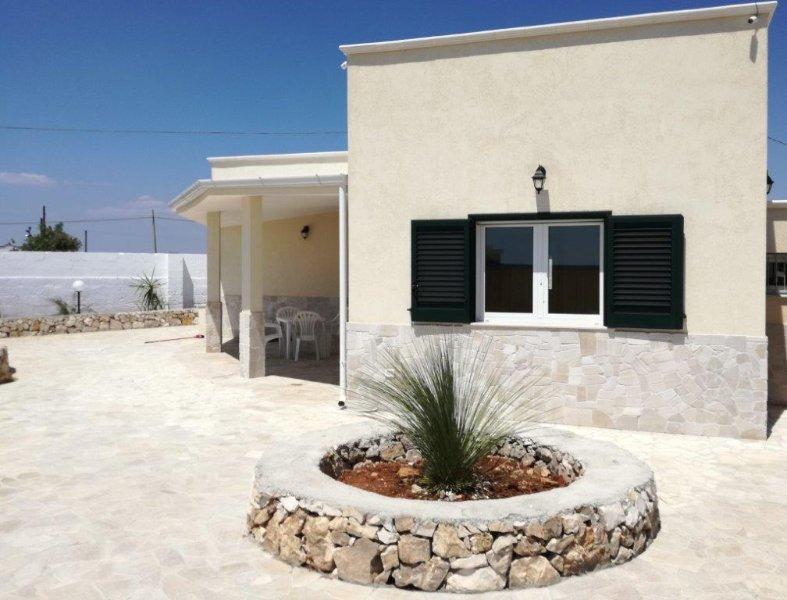 Villa Laura mit tollem Meerblick, holiday rental in San Pietro in Bevagna