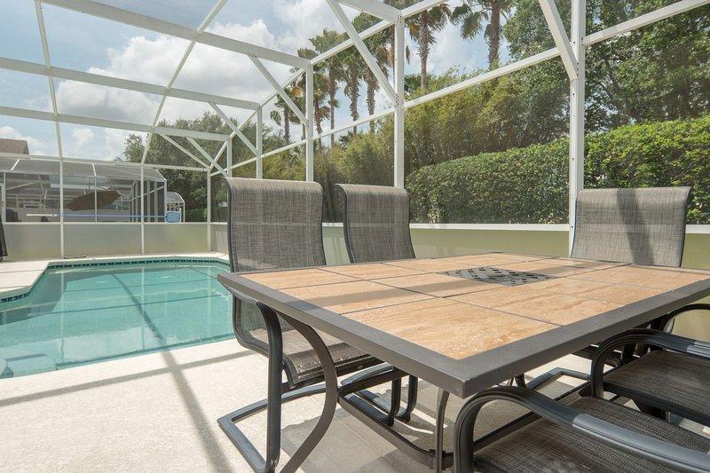 Hampton Lakes 740 piscina 2