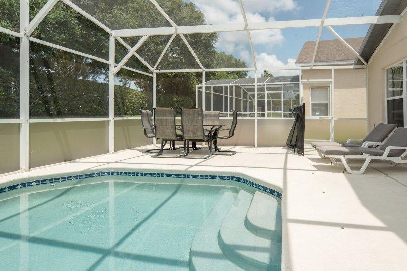 Hampton Lakes 740 piscina 4