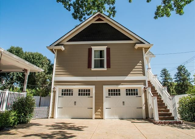 Baby Bliss--All the Bliss you need, in downtown Paso Robles!, holiday rental in Paso Robles