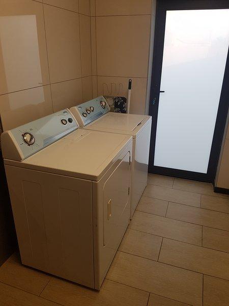 lavadora y secadora Tummel.