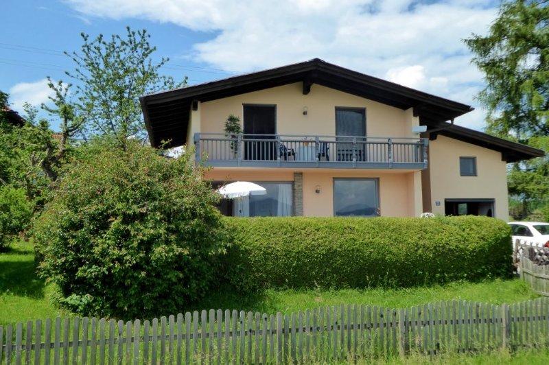 Ferienhaus am Malerhügel, Ferienwohnung in Unterach am Attersee
