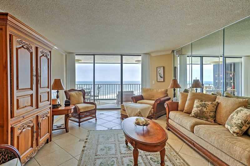 This 2-bedroom, 2-bathroom vacation rental condo offers luxurious amenities and comfortable accommodations for 6 guests.