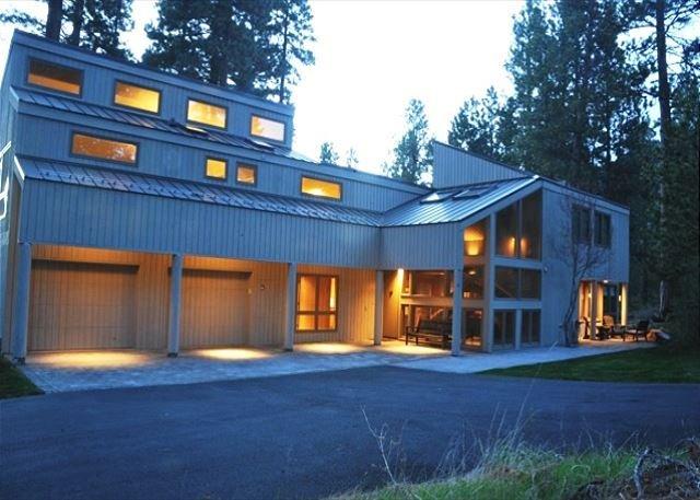 ¡La impresionante casa tiene todas las características que te encantarán!