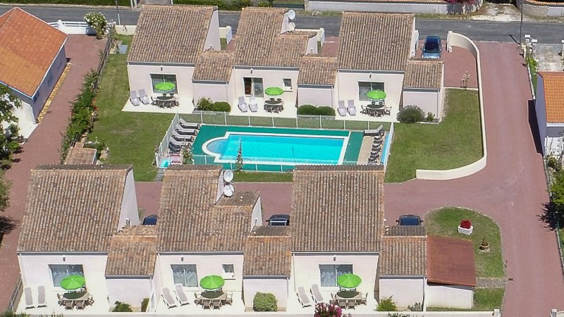 THE RESIDENCE TREMIERES FROM ABOVE