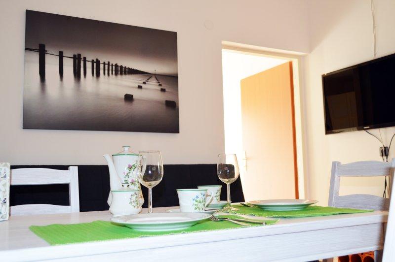 Wiener Apartment mit Garten (L), holiday rental in Gerasdorf bei Wien
