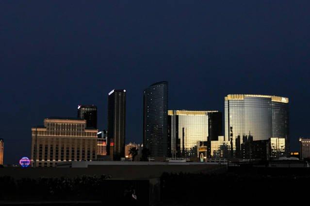 *VA Vibrant 3 BD/2BA Condo Near Las Vegas Strip*