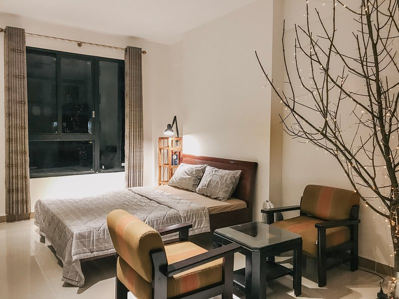 15%off Spacious 2BR 2Ba Modern Apartment full of lights, vacation rental in Tan An