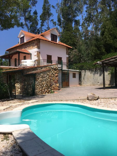 Private 'Farmhouse' with Pool, Quinta Lamarinho, location de vacances à Santa Comba Dao
