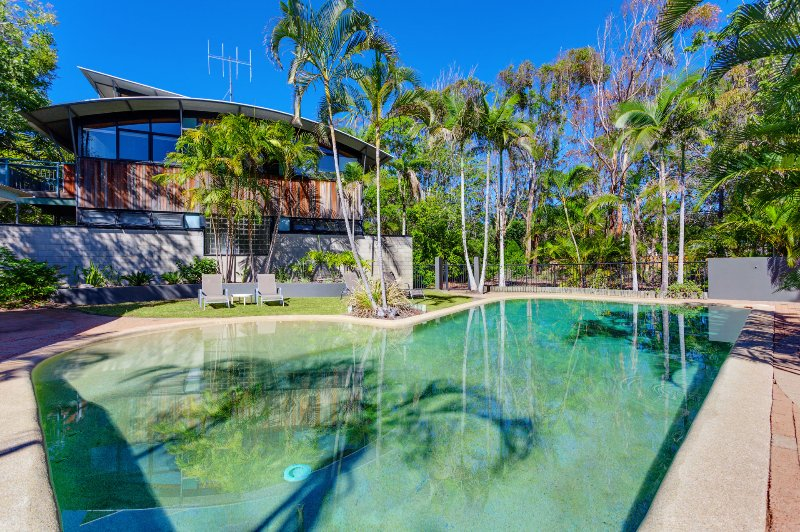 Surfside Beach House 19 - Rainbow Shores, vacation rental in Gympie Region