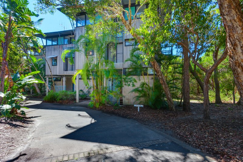 Surfside Beach House 17 - Rainbow Shores – semesterbostad i Gympie Region