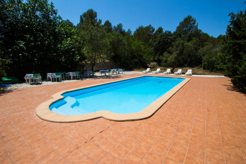 Catalunya Casas: Villa Ardenya in Tarragona hills, only 10 km to the beach!, holiday rental in Els Pallaresos
