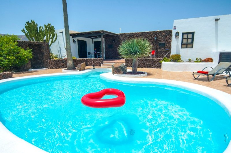 Villa LVC198594, vacation rental in Puerto Calero