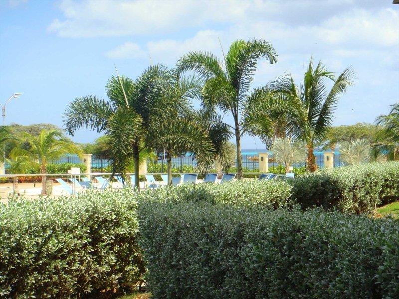 Delicioso jardín y vista al mar!