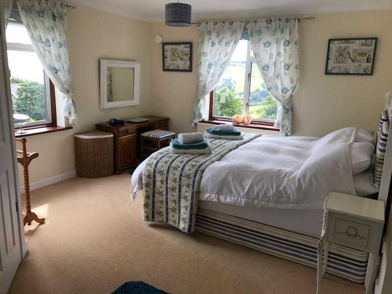 Spacious Master ensuite Bedroom with 6ft bed & stunning sea & countryside views