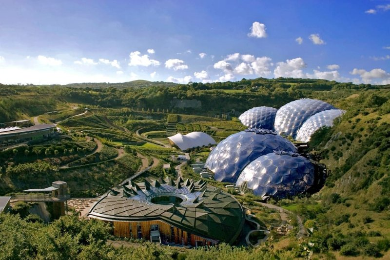 Eden Project is just 17 miles away.