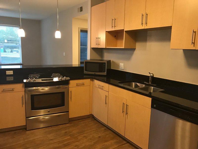 Buckhead Beauty 1 bedroom, 1 bathroom accommodates 4, vacation rental in Norcross