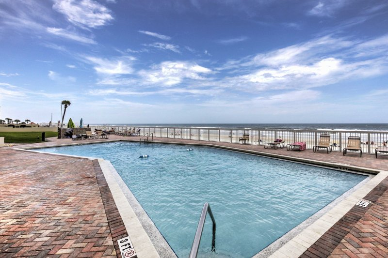 With access to resort amenities, this condo promises an unforgettable trip!