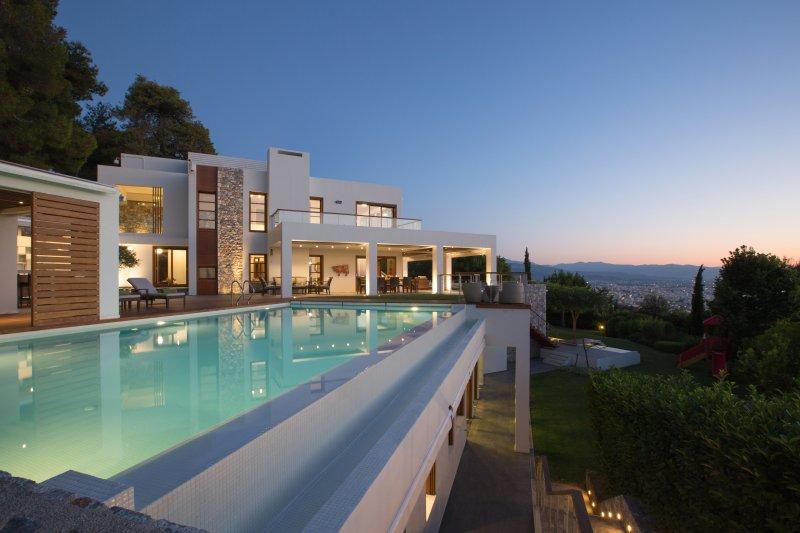 VILLA TERRA CRETA, Luxury Retreat and Spa, holiday rental in Akrotiri