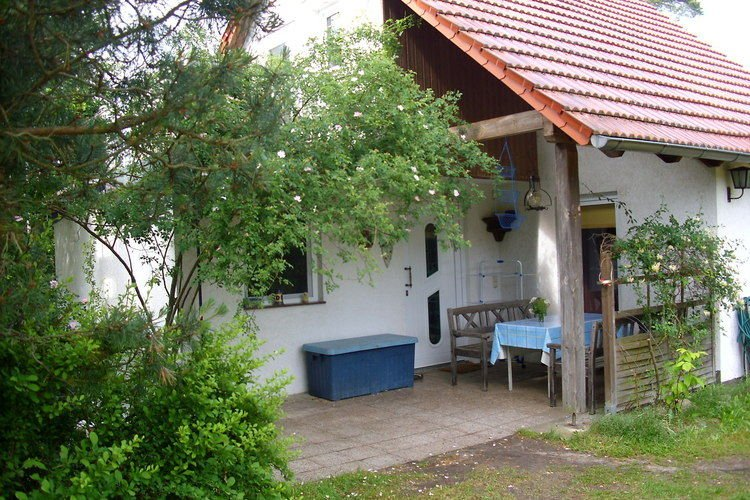 Cozy Holiday Home in Brandenburg near Lake, holiday rental in Unterspreewald