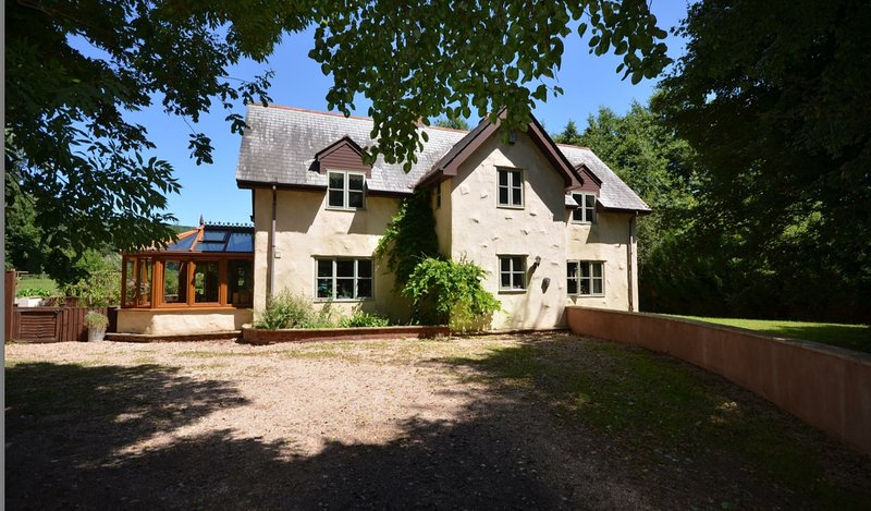Parkgate House. Stunning rural property at the foot of the Quantock Hills, location de vacances à Nether Stowey