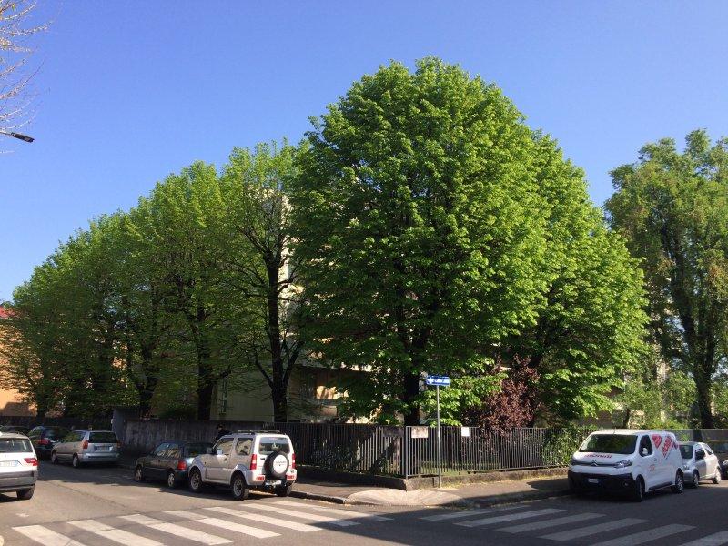 Ansicht des Gebäudes von der Kreuzung zwischen Via und Via Porro Linati