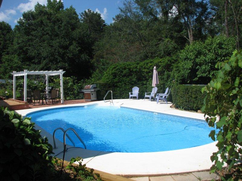 Experience Clemson in our charming house, location de vacances à Clemson