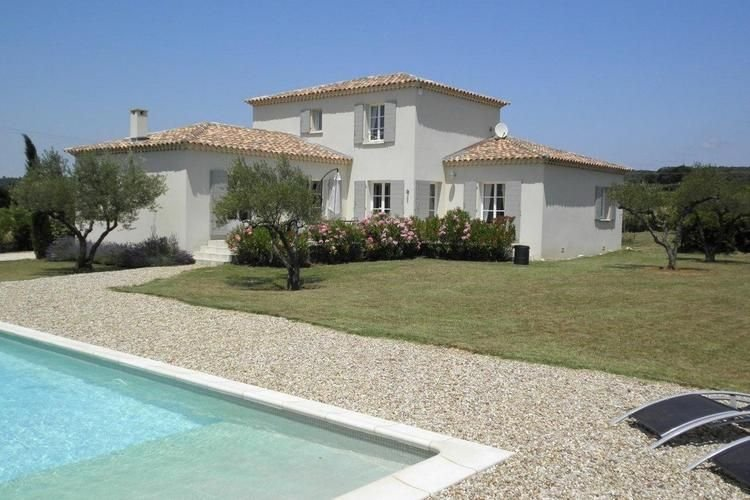 A beautiful new luxury villa close to Uzès., holiday rental in Valliguieres