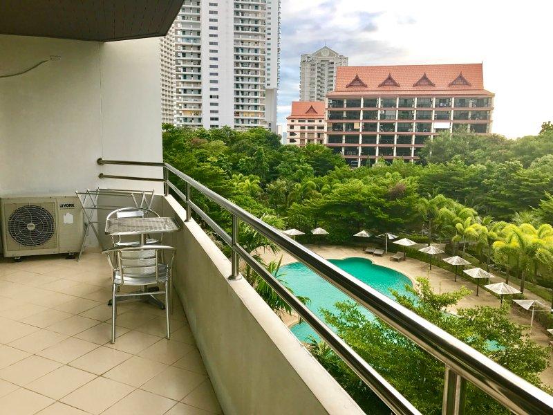 R-Con Apartment 2, casa vacanza a Tha Thaewawong