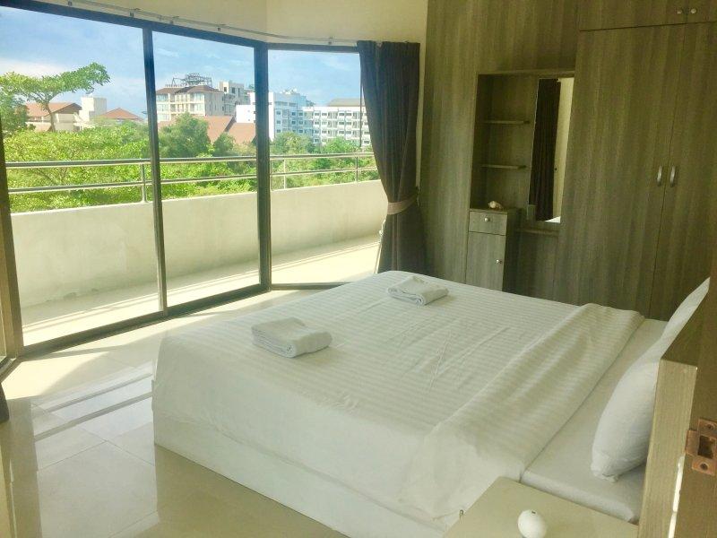 R-Con Apartment, casa vacanza a Tha Thaewawong