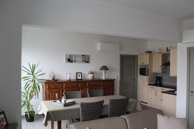 De Reunie apartment & garage Ypres region, alquiler de vacaciones en Roeselare