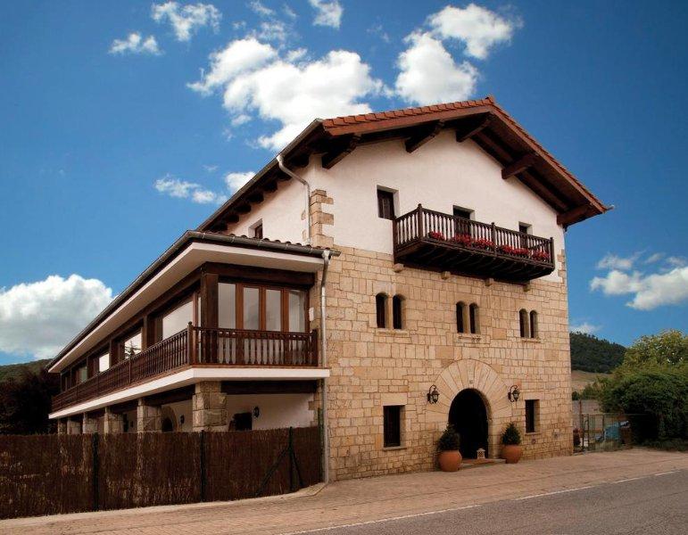 Casa Rural Flor de Vida, vacation rental in Almandoz