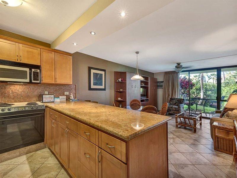 Luxe Ground Floor Suite W/Modern Kitchen+Bath, AC, WiFi Kamaole Sands 6104