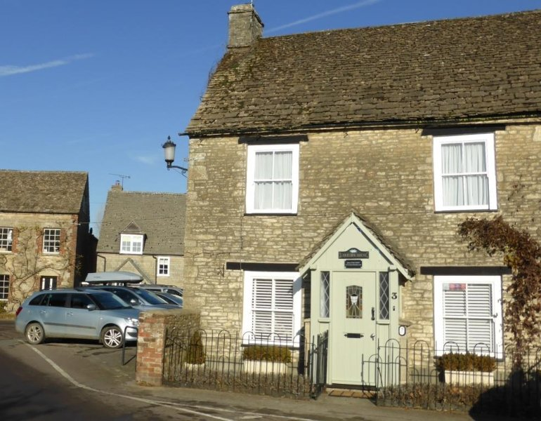 Lantern House in the heart of the lovely  Village of Sherston in the  beautiful Cotswolds