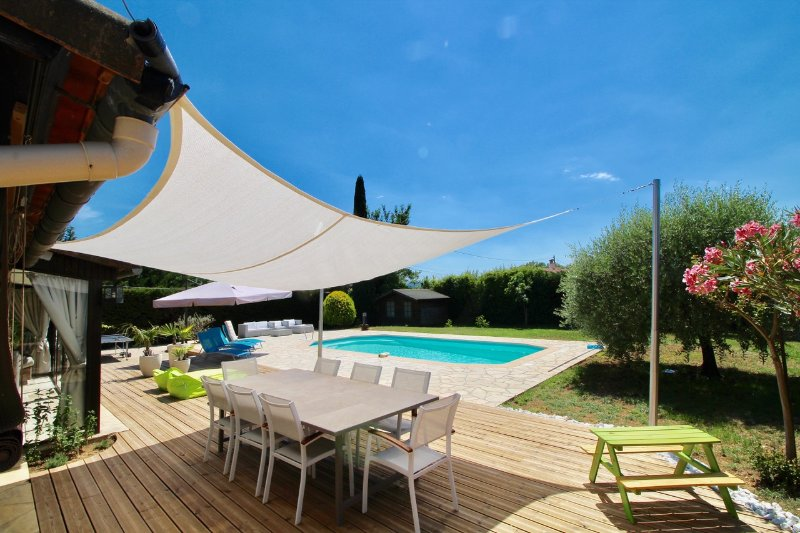 VILLA LES BAMBOUS Proche de Cannes, holiday rental in Fayence