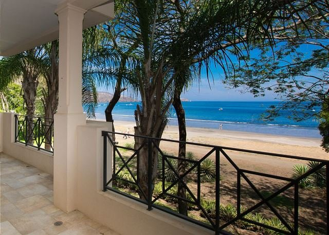 Especial Semana Santa, condominio frente al mar con impresionantes vistas, aluguéis de temporada em Playa Hermosa