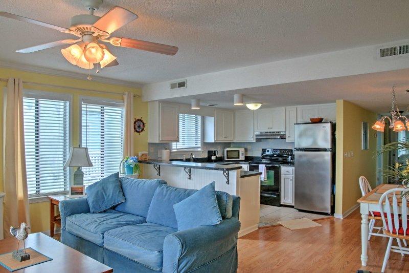 Escapar a este condominio de alquiler en Carolina Beach para una escapada relajante!
