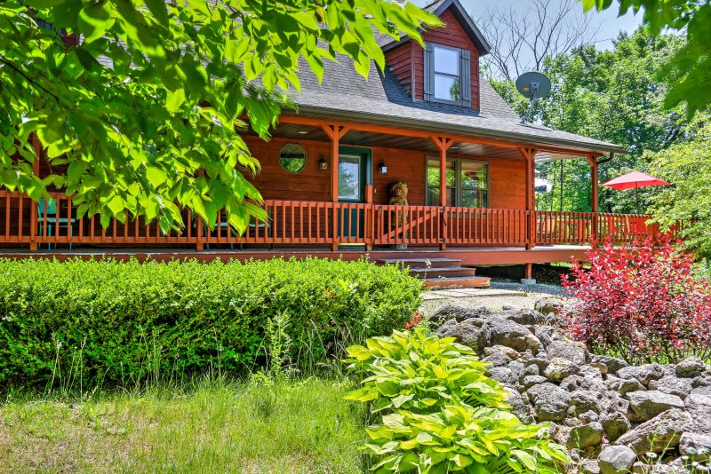 Escape to the Cape Cod of the Midwest in this fantastic home in Egg Harbor.